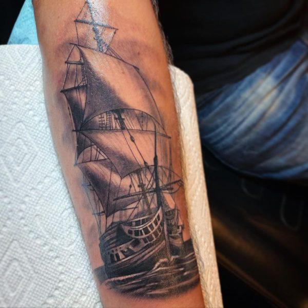 Leif: Ship