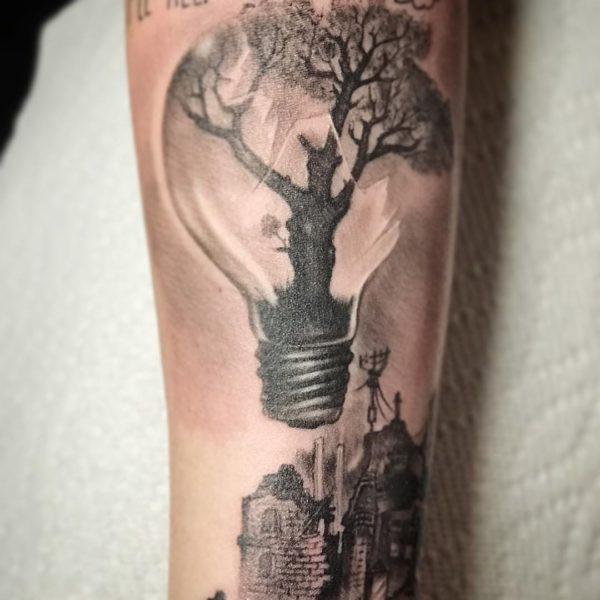 Leif: Lightbulb
