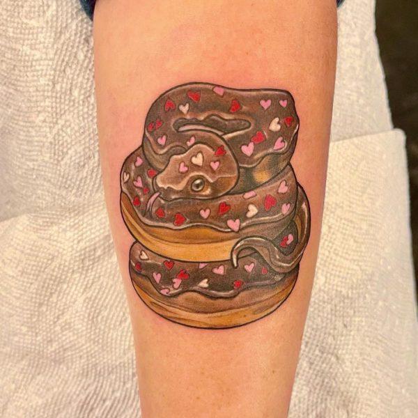 Leif: Donut Snake