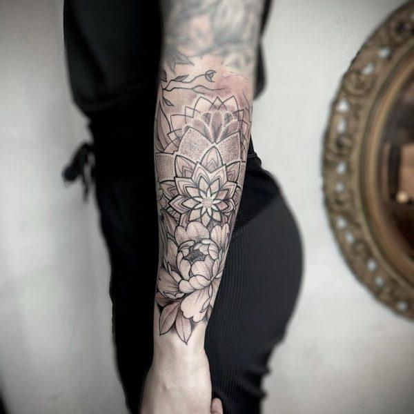 Zakk: Mandalas and Flowers